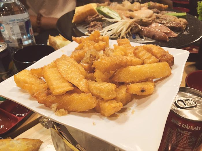 Khoai tây rán dù là món ở đâu cũng có nhưng vẫn đặc biệt thơm và ngon.